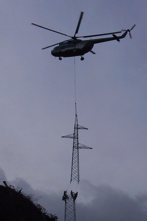 Pillar mounting with a helicopter